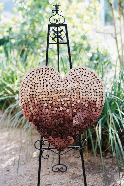 cuore di tappi