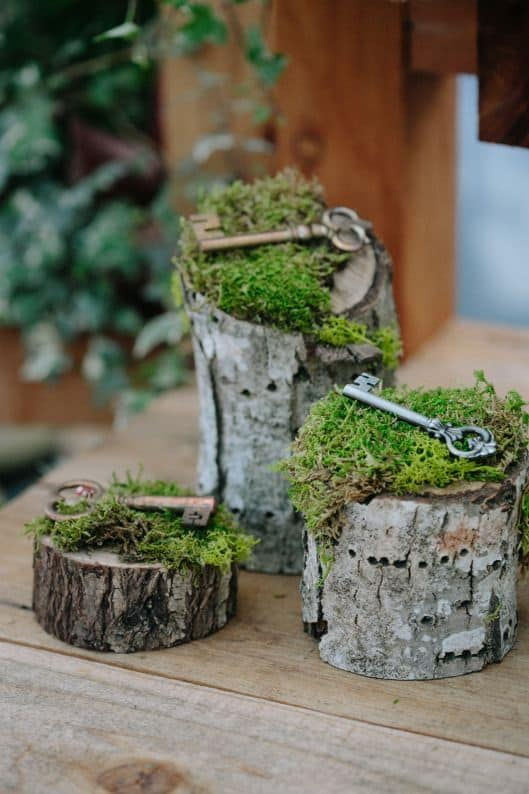 Moss-Secret-Garden-Wedding-décor-for-surfaces-around-room-min