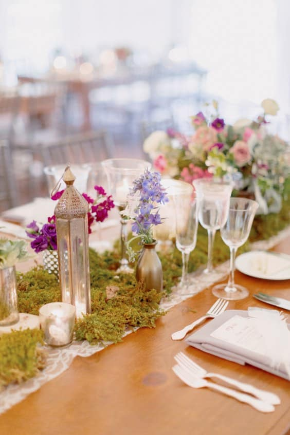 moss-wedding-centerpiece-and-moss-wedding-tablescape-table-ideas-min