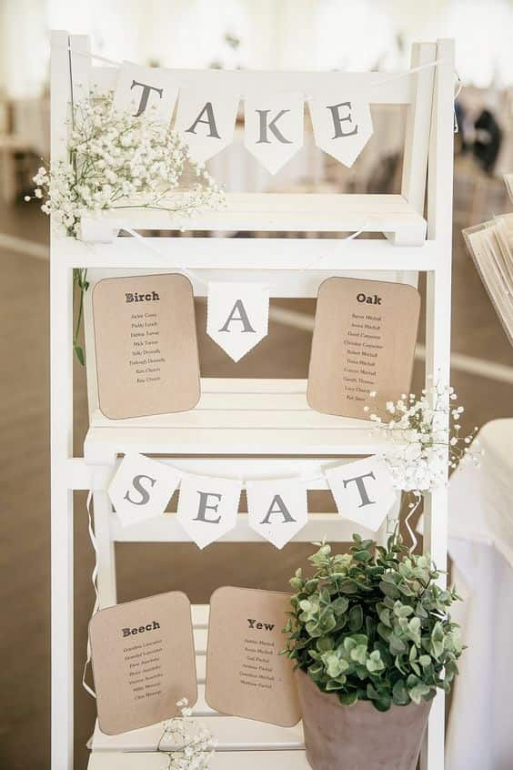 scaletta in legno 5 idee e consigli per un matrimonio in stile shabby chic. Black Bedroom Furniture Sets. Home Design Ideas