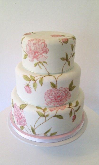 torta nuziale con peonie