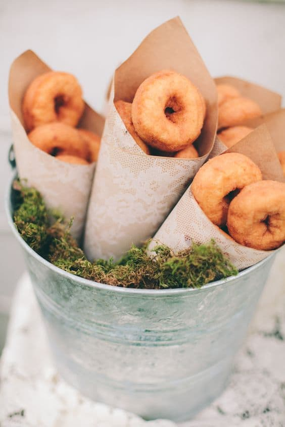 9-Donut-Favors-min